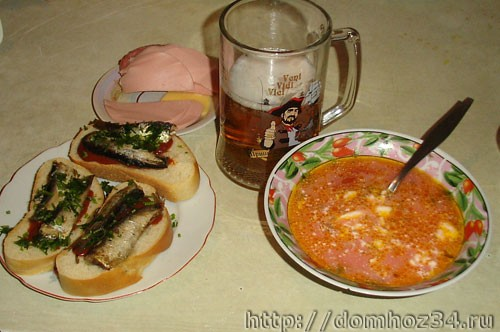 Борщ, пиво, бутерброды