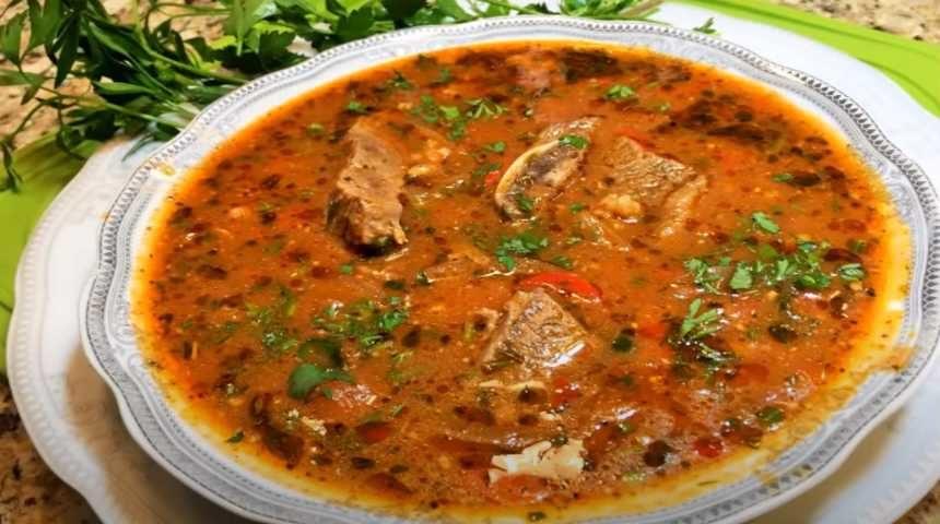 Тарелка супа харчо
