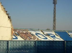 Пролом в трибуне Центрального стадиона в Волгограде