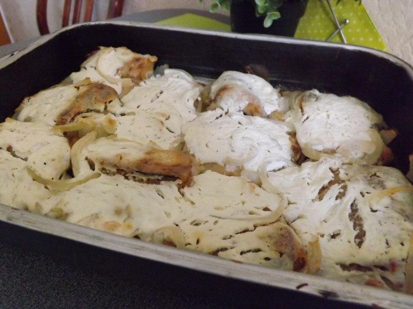 Щука с картошкой и сметаной в духовке