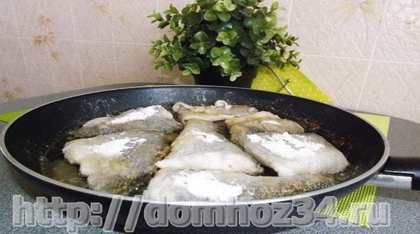 Кусочки щуки на сковороде