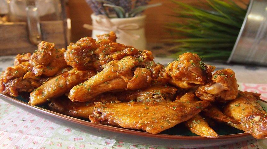 Куриные крылышки запеченные в медовом соусе