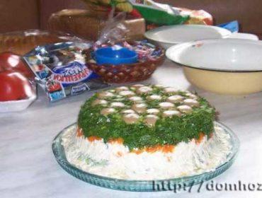 Рецепт салата Грибная полянка с шампиньонами и курицей