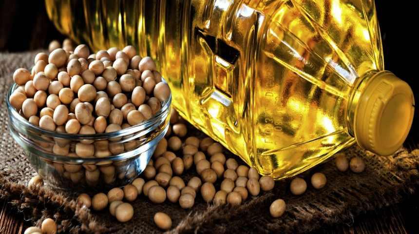 Соевое масло в бутылке