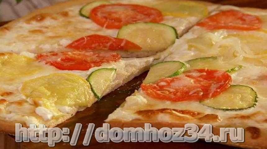 Домашняя овощная пицца с кабачком