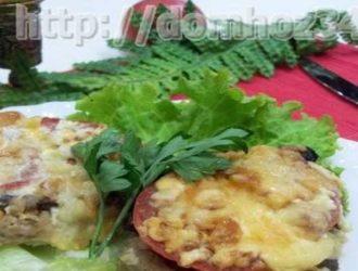 Мясо по-французски с грибами в духовке из свинины, пошаговый рецепт с фото